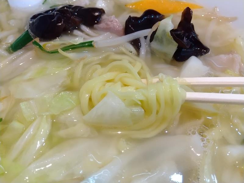 やさしい美味しさがあるタンメンの麺
