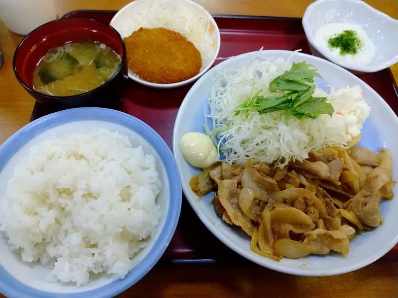 山田うどん食堂の「生姜焼き定食」