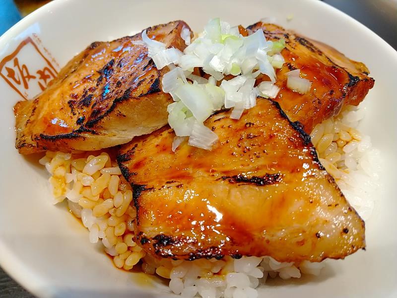 坂内の炙り焼豚ご飯