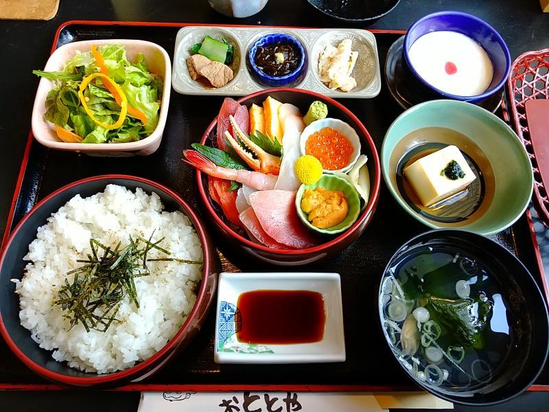おとと屋の海鮮丼
